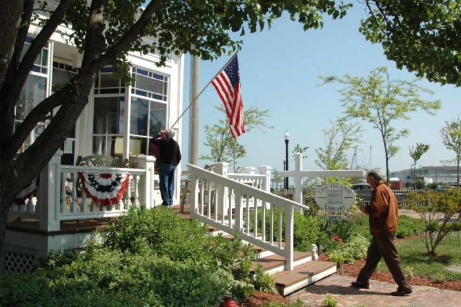 Walking and Biking Tour of Historic Chincoteague Island